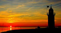 Sonnenuntergang im Wremer Tief (Wolfgang.W. ) Tags: kleinerpreuse leuchtturm leuchtfeuer lighthouse faro sunrise sunset sonnenaufgang sonnenuntergang wremen cuxland landkreiscuxhaven niedersachsen sky himmel afterglow abendrot weser priel wattenmeer waddensea februar 2019 nordseeküste