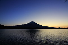 Lake Tanukiko of the morning (ULTRA Tama) Tags: lake tanukiko morning mtfuji mtfujiwhc japan shizuoka fuji todays dayliphoto instadaily photogenic igjapan loversnippon worldcaptures flickrfriday 2019 worldheritage tabijyo genicmag retripjapan retripshizuoka explorejapan traveljapan radiof artofimages ftimes genictravel geniclife genicblue genicjapan genicphoto genictown genicsummer tabijyosummer tabijyomaptwn tabijyotravel flickrheroes brilliant flickr celebrities natural decay