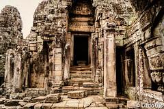 Black entrance (Lцdо\/іс) Tags: door angkor angkorthom ruines siemreap cambodge cambodia archeological archaeological khmer kambodscha kampuscha travel trip discover tomb raider voyage vacance visit asia asian asie asiatique buddhisme buddha bouddha boudhisme lцdоіс