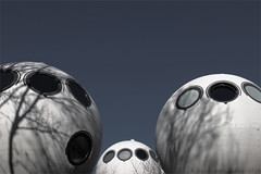 De  Bossche Bol (henny vogelaar) Tags: netherlands denbosch architecture bulbhouses drieskreijkamp 1984 cement fiberglass concrete spheres naturel organic mushrooms polyester futuristic shadows