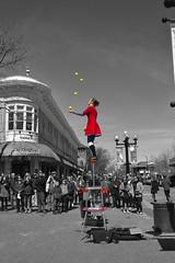 Color of life (Solista*) Tags: street ulica boulder colorado kolorado usa circous cyrkus trick performance przedstawienie występ show color red yellow pearl mall