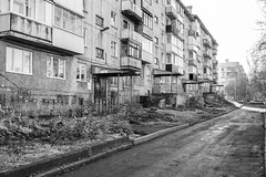 The most typical type of apartment building in Russia (man_from_siberia) Tags: apartmentbuilding building architecture buildingexterior russia blackandwhite blackwhite bnw bw чернобелое чернобелоефото чб дом здание архитектура двор россия canon dslr canoneos1dsmarkii canonef40mmf28stm pancakelens fullframe