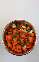2019 Sydney: Dinner Veggies (dominotic) Tags: 2019 food vegetables dinnervegetables carrots celery garlic onions rosemary herb foodphotography yᑌᗰᗰy circle sydney australia