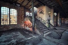 zwei Häkchen (Knee Bee) Tags: industrial abandonedindustry haken stairs treppe sket