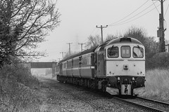 P1330144 (jheoFaul) Tags: mnr mid norfolk railway heritage diesel gala locomotive british rail class 33 50 37 41001 hst prototype intercity 126