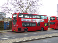 GAL EN46 - SN12APV - OSR - BERESFORD STREET WOOLWICH - FRI 11TH JAN 2019 (Bexleybus) Tags: woolwich royal arsenal town centre shopping plumstead road beresfod street se18 tfl route goahead go ahead london 51 adl dennis enviro 400 en46 sn12apv metrobus abellio