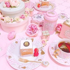 Pink tea time in the morning💗🍭 👑 Nina's Marie-Antoinette tea taste at Rose & Blanc Tea Room RSVP now at http://bit.ly/2Nczj9E @sweets__nano . . . . #la #foodgasm #foodandwine #hollywood #yahoofood #getinmybelly #foodcoma #nomnomn (Rose & Blanc Tea Room) Tags: party venue bridal shower baby tea room house
