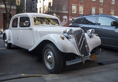 1955 Citroën 11B Normale in NYC (vetaturfumare - thanks for 3 MILLION views!!!) Tags: traction avant gangstercittra normale citroen citroën nyc 1955 11b tractionavant white street parked newyork vorderradantrieb frontwheeldrive