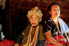 Karen people (m.iop91) Tags: entrylevel village travel karen tribe thailand thai face picture canon 4000d eos