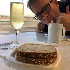 Champagne and a PBJ (jericl cat) Tags: darin hawaii 2018 champagne pbj delta lounge november