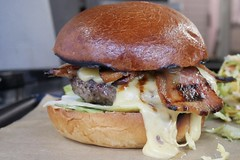 BeM6ZJOlSja1pSmV8tQCFw_thumb_a0 (Tiki Chris) Tags: roadkill camden camdentown steak burgers cheeseburgers hamburgers camdenmarket stablesmarket