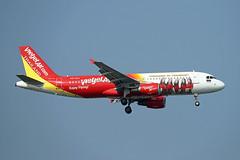 Thai Vietjet Air   A320-214   HS-VKA (Globespotter) Tags: bangkoksuvarnabhumi intl thai vietjet air a320214 hsvka welcometothailand livery