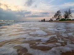 IMG_6264 ~ indah pagi (alongbc) Tags: sunrise coast coastline seascape shoreline cloud morning dawn pantailanjut kualarompin rompin pahang malaysia travel place trip canon eos700d canoneos700d canonlens 10mm18mm wideangle happyplanet asiafavorites