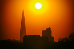 Сlose of day (ivan_ko) Tags: sunset evening sun warm nikon d3000 nikkor afs 80200 28 town urban landscape