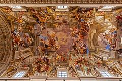 Chiesa di Sant'Ignazio da Loyola in Campo Marzio (Michele Monteleone) Tags: arte roma cielo chiesa basilica italia canon eos40d pittura muro