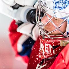 Spray. (R1ku Exposures) Tags: spo hockey hockeyphotography hockeyplayer sportsphotography sports sport icehockey helsinki helsinginjäähalli helsinkiicehall liiga khl shl nla del suomi finland nordis nordenskiöldinkadunjäähalli ifk ifkhelsinki helsinginifk hifk atteengren