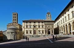 Italy, Arezzo (duqueıros) Tags: italy italien italia toskana toscana tuscany stadt city platz placa piazza duqueiros