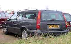 N392 EBW (Nivek.Old.Gold) Tags: 1995 volvo 850 25 estate 2435cc kings witcham