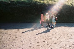 (dying slowly) Tags: analog hiking mountain taiwan atmosphere sunshine analogphotography people konica 28wb 現場監督