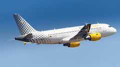 Airbus A319-112 EC-MKX Vueling (William Musculus) Tags: airport aviation plane airplane vlg vy ecmkx vueling airbus a319112 a319100 basel mulhouse freiburg euroairport eap bsl mlh lfsb flughafen