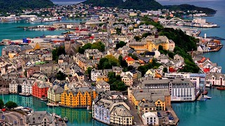 Norway - Alesund-mountain-island