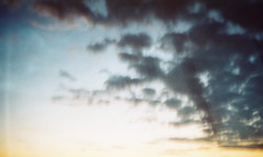 (letny vecher) Tags: 35mm 35мм smena8m smena8 smena смена8м смена8 смена пленочнаяфотография пленка аналоговаяфотография пленка35мм nofilter analogphotography russiaphoto lomography filmisnotdead filmphoto analog analogfilm 35mmrussia 35mmfilm 35ммпленка fujifilm400 fuji fujifilm fujifilmsuperia400 летнийвечер небо sky