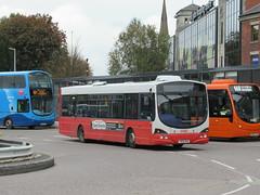 Rosso 1605 (YN06NXX) 17102018 (Rossendalian2013) Tags: transdevblazefield transdev rossendaletransport rosso bus bury interchange scania l94ub wright solar readingbuses yn06nxx