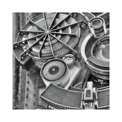 A bit curvy ! (CJS*64) Tags: germany dusseldorf blackwhite bw blackandwhite whiteblack whiteandblack mono monochrome panasonic panasoniclx100 lx100 curves curvy architecture