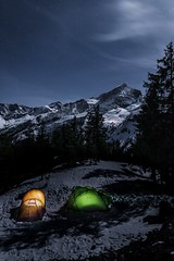 Alpspitze Zelt (florian_kopp2204) Tags: stars sterne nachtaufnahme nightshot camping tent zelt alpspitze garmischpartenkirchen bayern garmisch vollformat festbrennweite fullframe 20mm d750 nikon alps mountains mountainside berge alpen