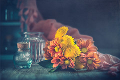 Shine brightly (Ro Cafe) Tags: helios58mmf2 nikond600 orange stilllife flowers yellow bouquet vases textured