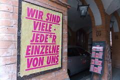 Jeder einzelne (JaMu98) Tags: germany berlin individuen jeder streetart spruch