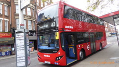 P1150505 VMH2586 LF19 FXL at Highgate Station Archway Road Highgate London (LJ61 GXN (was LK60 HPJ)) Tags: volvob5lhybrid mcv evoseti mcvevoseti 105m 10490mm metroline metrolinewest vmh2586 lf19fxl nb991