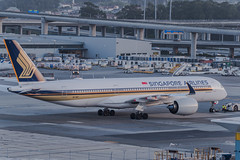 singapore airlines holding for departure gate assignment (pbo31) Tags: bayarea california nikon d810 color april 2019 boury pbo31 spring sanfranciscointernational sfo sanbruno sanmateocounty spotters airport aviation plane airline over travel taxi airbus a350 singaporeairlines hold park