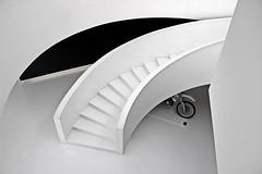 The white star! (Jorge Cardim) Tags: centro arte águeda portugal art white star escada branco