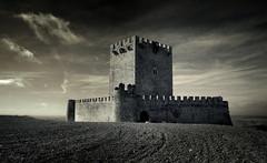 Castillo de Tiedra - Valladolid (Garciamartín) Tags: castillo fortaleza fortificación torreón paisaje medieval muralla arquitectura arte castillaleón españa europa garciamartín nino