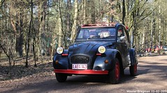 Citroën 2CV (XBXG) Tags: oaeg143 citroën 2cv citroën2cv 2pk eend geit deuche deudeuche 2cv6 noir black winterhoesmeeting 2019 huppel lupinestraat hechteleksel hechtel eksel limburg vlaanderen belgië belgique belgium vintage old classic french car auto automobile voiture ancienne française france vehicle outdoor