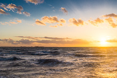 Westerschelde bij Waarde (Omroep Zeeland) Tags: westerstorm westerschelde waarde binnenvaartschip storm wind scheepvaart wolkenlucht zonsondergang sunset zeeland
