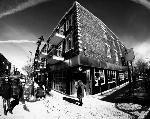 Ave Mont-Royal E Corner (Montreal)