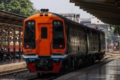 ASR 158/T (Sprinter) (SITTINGGROUND) Tags: sprinter asr 158t 2505 train multipleunits express canon 77d tamron 18270 diesels thaitrain thailand