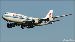 (Sir George R. F. Edwards) Tags: fco lirf roma fiumicino aviation aviationspotter aviationspotting plane planespotter planespotting avgeek airbus air china boeing 747 748