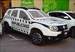 Renault Duster (Pablo R. Martínez) Tags: renault dduster ffee policia police montevideo uruguay