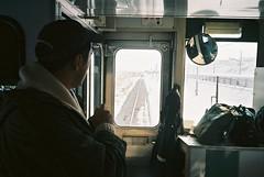 (埃德溫 ourutopia) Tags: film kodak ektar ektar100 canon canonprima canonprimaas1 filmphotography analog analogphotography train railway guy man window snow hokkaido japan フィルム 電車 流氷物語号 北海道 日本