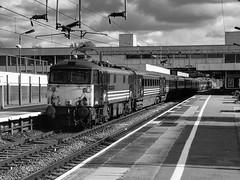 87015 R00569 Coventry D210bob (D210bob) Tags: 87015 r00569 coventry d210bob blackwhitephotography blackwhite monochrome monochromephotography railwayphotographs railwayphotography railwayphotos railwaysnaps londonmidlanddivision virgin londonmidland passengertrain fujis5000 class87