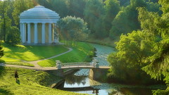 Temple of Friendship (akovt) Tags: россия санктпетербург russia saintpetersburg pavlovsk water green bridge reflection