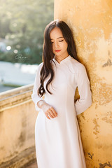 IMG_1687 (Call me CHOW) Tags: happy dress beauty blond female long hair carefree young women wavy fashion model beautiful people portrait ao dai aodai girl hanoi vietnam sunny yearbook smilling smile sunset lookbook pretty posing face