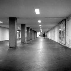 Urban Solitude - Leaving (ucn) Tags: zeissikondonata2277u tessar135cmf45 berlin mitte nacht night street jannowitzbrücke u8 ubahnhof undergroundstation 9x12