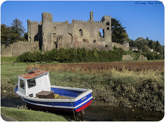 Laugharne Castle (Lady Ann 2010) Tags: ©ladyann2019 architecturalphotography laugharnecastle laugharne castle canonixus500hs carmarthenshire rivertaf 1116