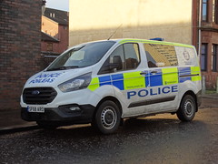 SF68 ARO Police Scotland (C812JGB) Tags: ford transit custom cell van new l division police scotland 999 911 112 cops law enforcement policing polizia polis polizei politie policía policemen policeofficer uk glasgow clydebank vehicle unit dumbarton