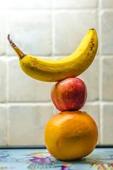 A Balanced Diet! (BGDL) Tags: lightroomcc nikond7000 bgdl niftyfifty odc nikkor50mm118gnikon fruit grapefruit apple banana balancingact