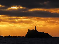 L'illa negra... (Felip Prats) Tags: albada amanecer sunrise illesformigues costabrava catalunya empordà nwn